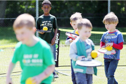 Kids group tennis